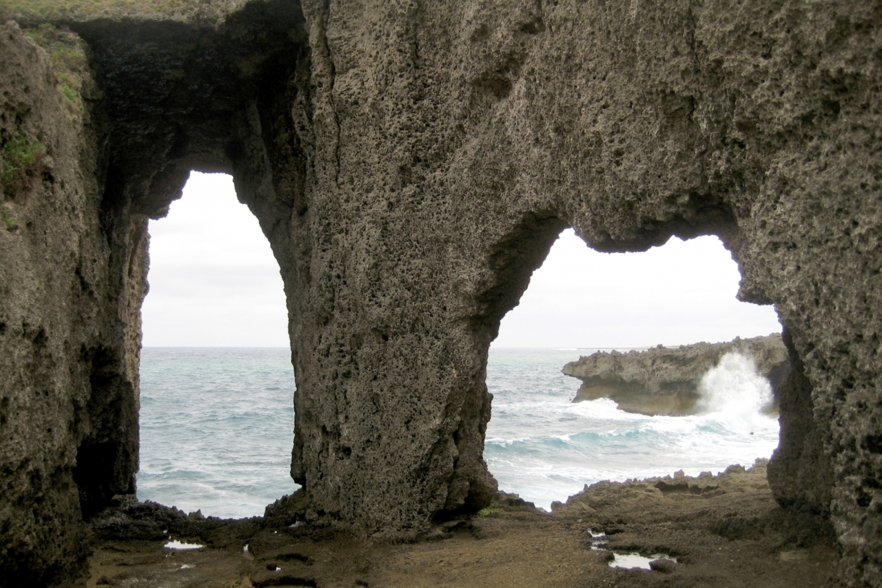 徳之島 犬の門蓋