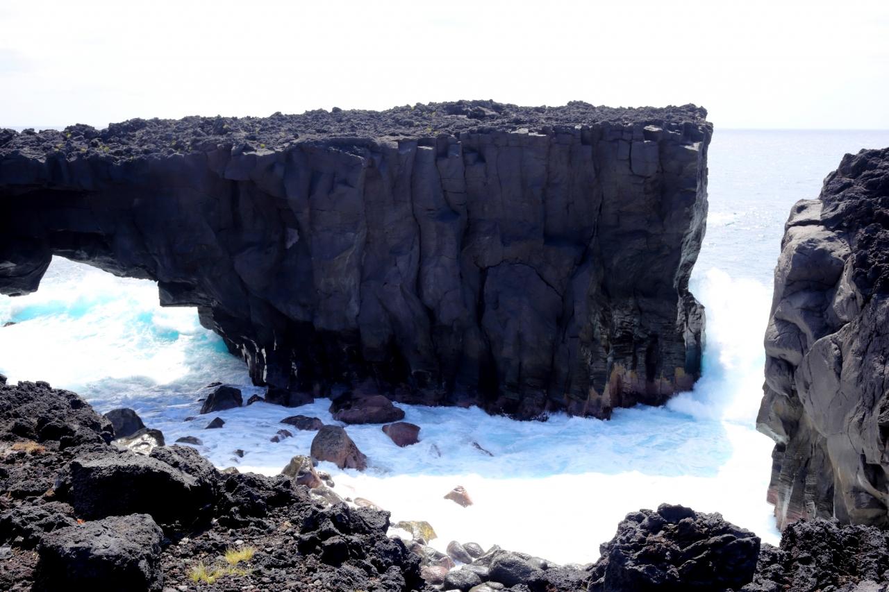 三宅島 めがね岩